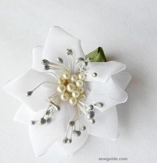 hacer flores de cinta fácilmente