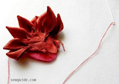 haciendo fácil hacer flores de cinta