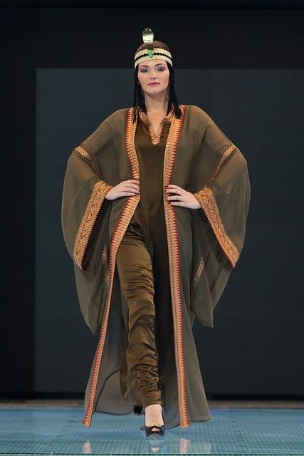 siluetas de moda para vestidos