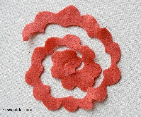 hacer rosas de fieltro