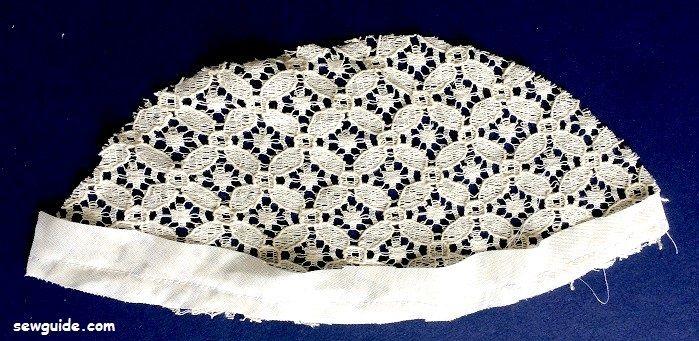 blusa de yugo de encaje patrón de costura libre