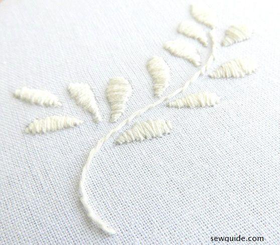 bordado de trabajo blanco