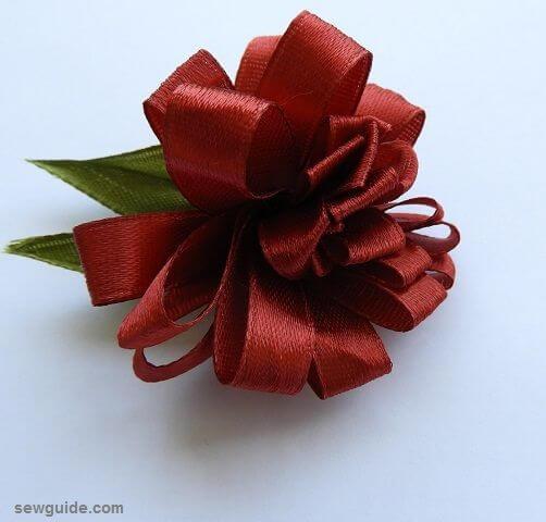 como hacer rosas con lazo