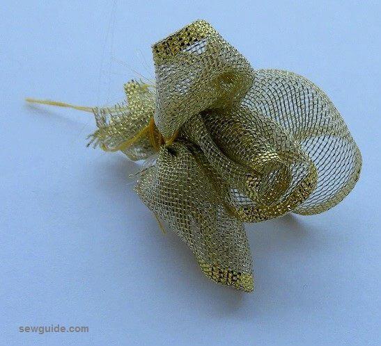 hacer rosas de cinta