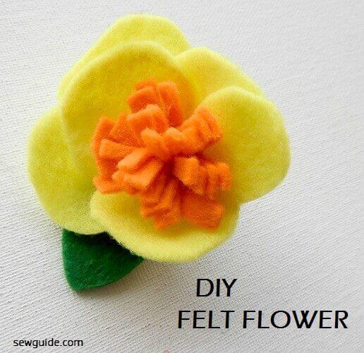 haciendo flores de fieltro