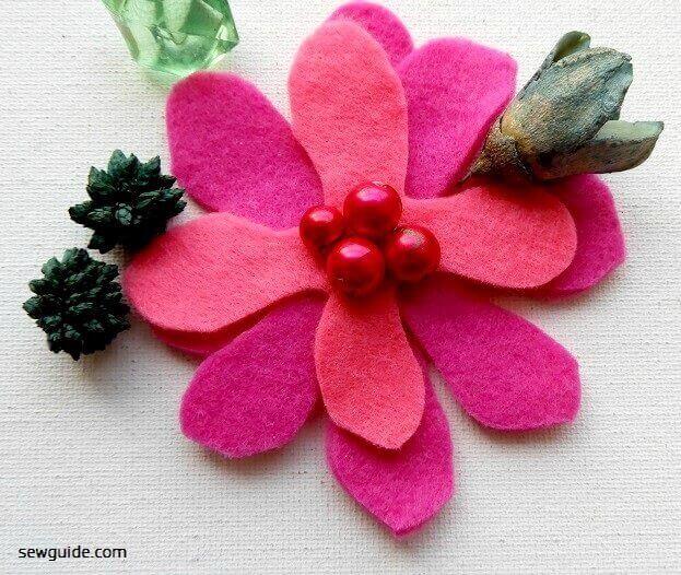 hacer flores con tela de fieltro