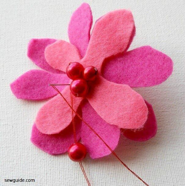 instrucciones para hacer flores de fieltro