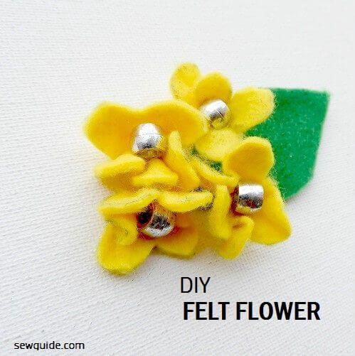 instrucciones para hacer flores con fieltro