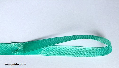hacer un lazo con cinta
