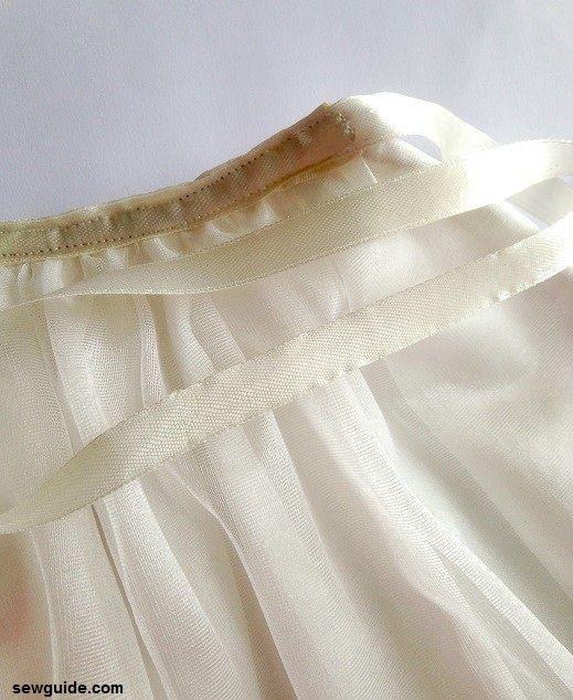 como coser una falda de tul