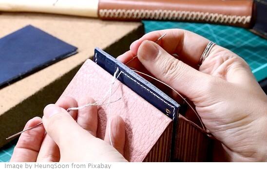 herramientas manuales para coser cuero