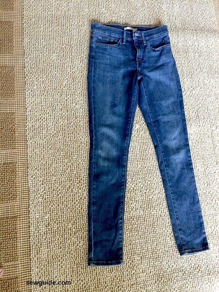 cómo rasgarse los jeans usted mismo