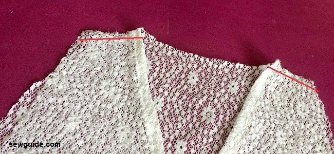chaleco de encaje de corte y costura