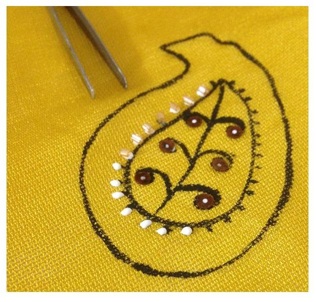 pañuelo de diseño paisley