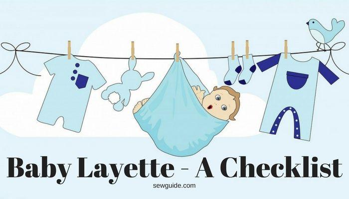 artículos esenciales para bebés en una canastilla