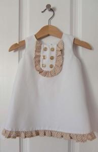 costuras de vestido de bebé
