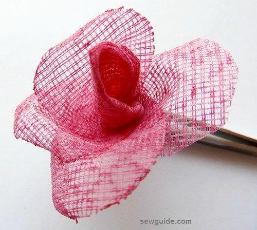 tela rosa haciendo